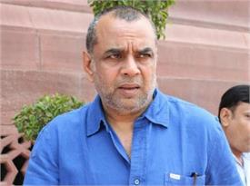 paresh rawal s tweet on archive bole twitter  forced  to be removed