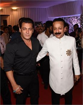 bollywood celebrity in iftar party