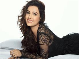PICS : ਟੀ.ਵੀ. ਅਦਾਕਾਰਾ ਅਦਾ ਖਾਨ ਨੇ ਇੰਸਟਾ 'ਤੇ ਦਿਖਾਇਆ ਹੌਟ ਅੰਦਾਜ਼