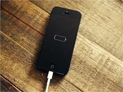 iOS 11.4 ਕਾਰਨ ਜਲਦ ਬੈਟਰੀ ਖਤਮ ਹੋਣ ਨਾਲ ਆਈਫੋਨ ਯੂਜ਼ਰਸ ਨੂੰ ਹੋ ਰਹੀ ਹੈ ਪਰੇਸ਼ਾਨੀ