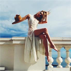 Too Hot! ਅਦਾਕਾਰਾ ਨੇ ਇੰਸਟਾਗਰਾਮ 'ਤੇ ਬੋਲਡ ਤਸਵੀਰਾਂ ਦੀ ਲਾਈ ਝੜੀ