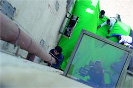 Pics: देखें फिल्मों के बिहाइंड द सीन, सेट पर कुछ ऐसे दिखते है स्टार्स