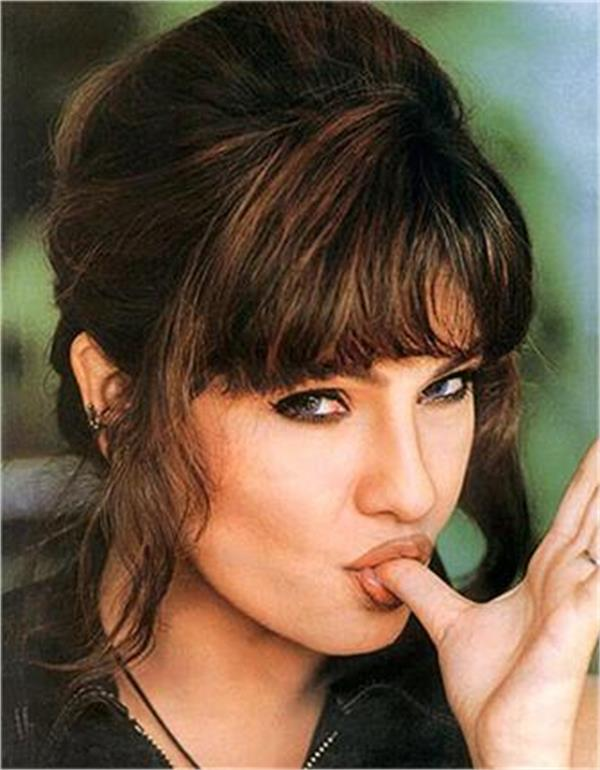 pooja bhatt to comeback in film written by father