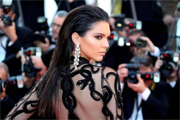 kendall jenner in black gown