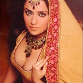 बोल्ड हो गई है शक्तिमान की 'गीता', आप भी देखें तस्वीरें