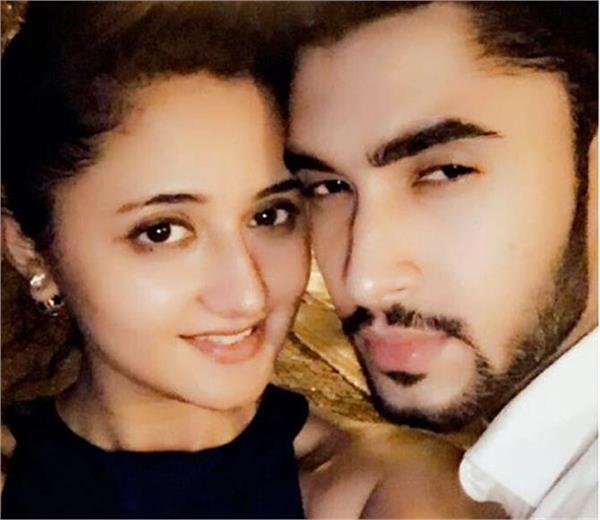 rashmi desai dating 20 year old model laksh lalwani