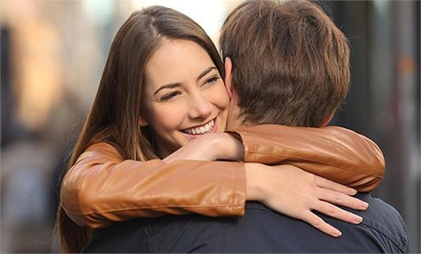 never break relationship ever give the partner daily magical hug