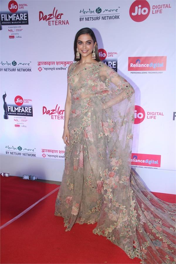 deepika aditi rao hydari and madhuri dixit at marathi filmfare awards 2017