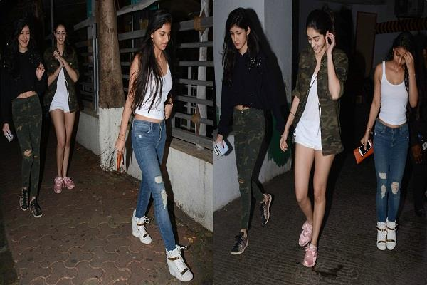 suhana on a movie date with friends