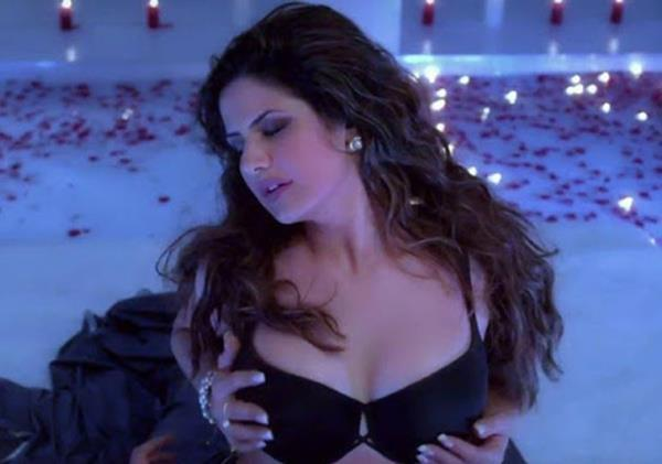 zareen khan lashes out on producers for making her wear minimal clothes
