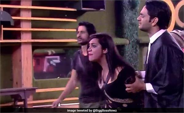 bigg boss 11 hina khan arshi khan priyank sharma dirty talk