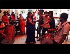 देवर की शादी में जमकर नांचीं 'संध्या बींदणी', सामने आई तस्वीरें