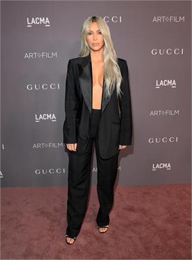 किम ने किया फैशन कॉपी, लेकिन देसी गर्ल सोनम लगी ज्यादा हॉट