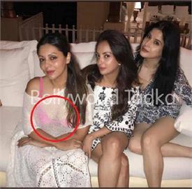 पार्टी में ट्रांसपेरेंट शर्ग में पिंक कलर की ब्रा पहन खूब हॉट लगी शाहरुख की पत्नी, दिखाए हॉट क्लीवेज