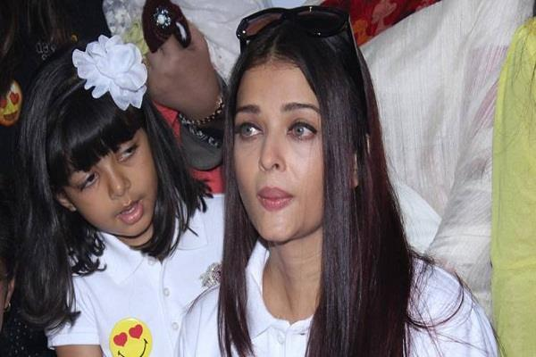 family decided to keep aaradhya away from paparazzi