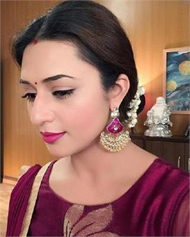 दिव्यांका ने शेयर किया अपना शरीफ लुक, पति विवेक बोले- 'चालू बहू...'
