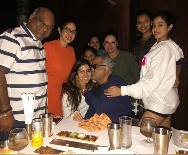jhanvi kapoor and khushi at dad boney kapoor  s birthday celebration