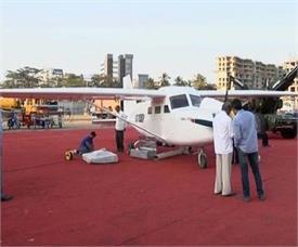 मुंबई के रहने वाले नौजवान ने घर की छत पर बना डाला इतना बड़ा प्लेन
