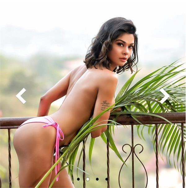 sakshi pardhan calendar photoshoot