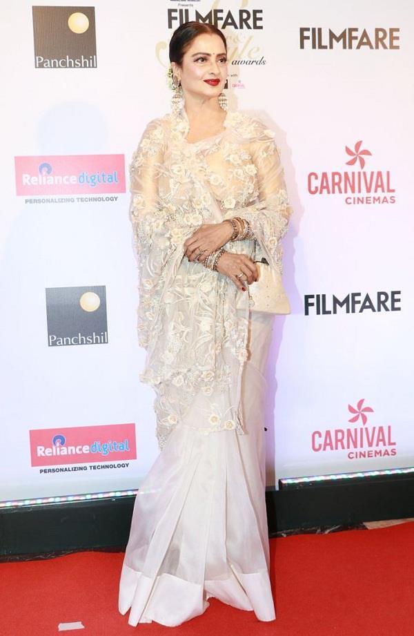 evergreen rekha and sridevi filmfare glamour and style awards 2017