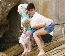 परफेक्ट टाइमिंग पर ली गई इन तस्वीरों को देखकर छूटेंगी हंसी, See Pics