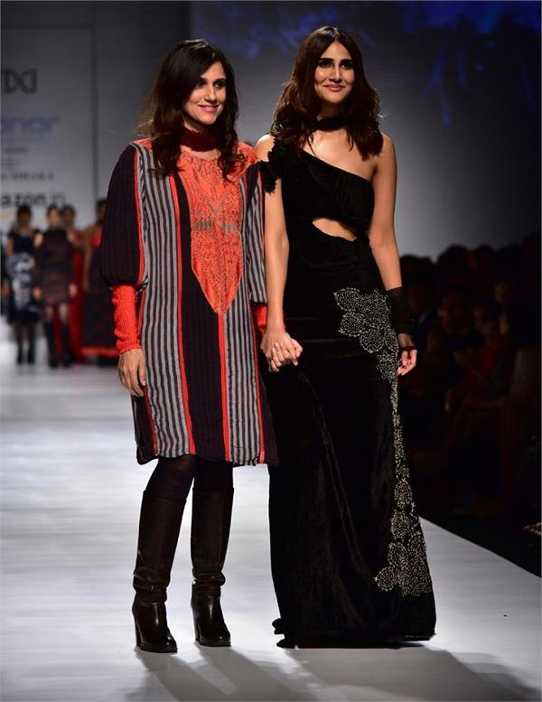 vaani kapoor ramp for rina dhaka in amazon fashion week