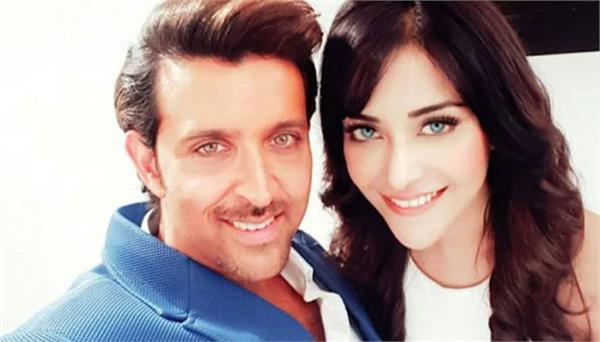 hrithik roshan wants to know why this actress is lying about being his friend