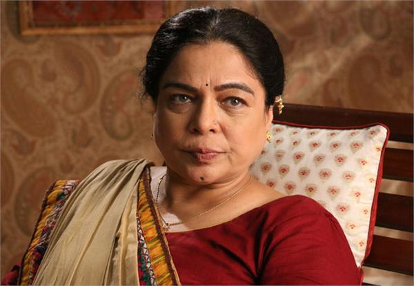 loving mom of bollywood reema did commendable work in bollywood