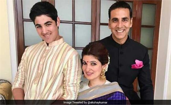 akshay kumar 64 national film awards shares family picture on twitter