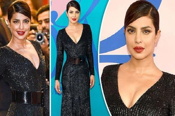 priyanka reached the black dress in the cfda awards