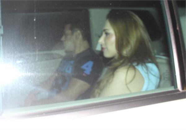 salman khan arrives in a car with gf at niece  s birthday party