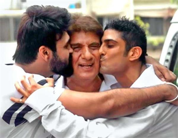 raj babbar celebrates birhday with sons aarya and prateik