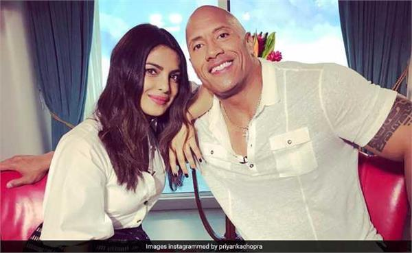 priyanka chopra is become number 1 in social media popularity