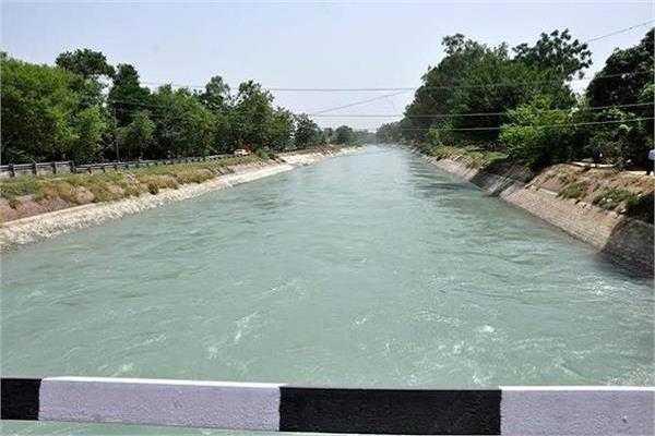 aunt nephew committed suicide by placing junk canal due love relations
