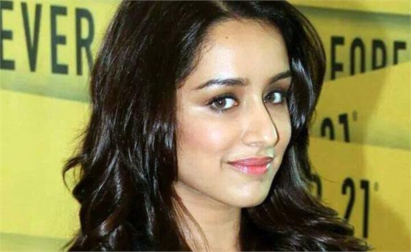 shraddha kapoor worked at a coffee shop before joining film industry
