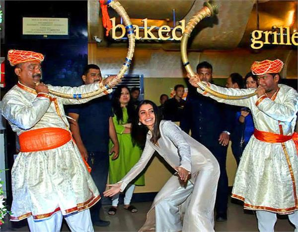 anushka sharma host engagement party