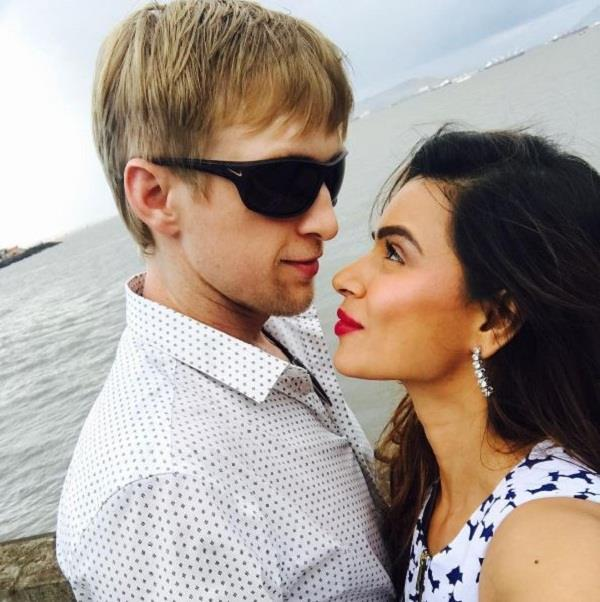 aashka and brent gobles wedding date