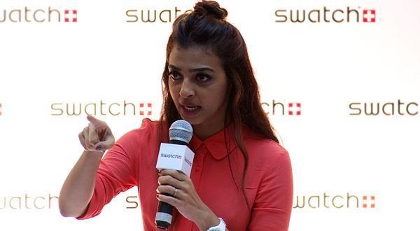 radhika apte angry with photographer
