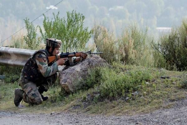 indian army gives fierce response to firing pak 2 soldier stacks