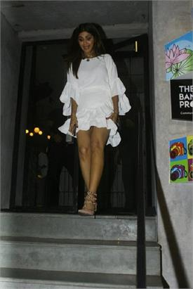 shilpa shetty short white dress in oops moment