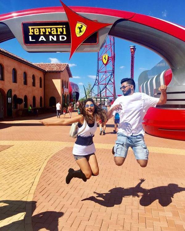 hina khan doing fun with her boyfriend