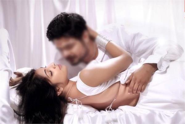 mythili ex boyfriend has leaked her private pictures