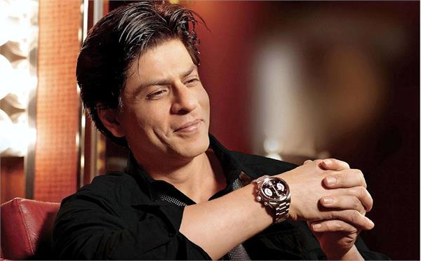 shahrukh khan shares a video of his indoneshian fans on twitter