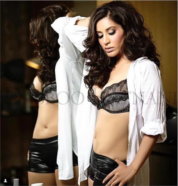 sophie chowdhury in bold look