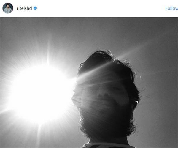 riteish deshmukh also made the solar eclipse in the us  see photo