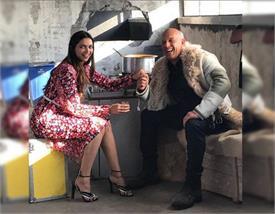 विन डीजल के साथ कटिंग चाय का मजा उठाती नजर आई दीपिका, शेयर की तस्वीर
