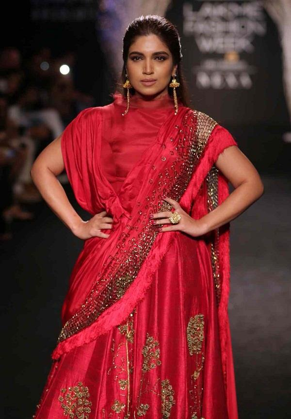 bhumi pednekar splash red color in lakme fashion week