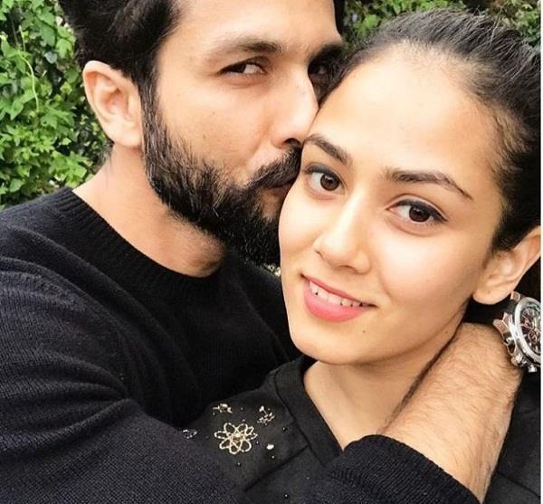 shahid share a romentic pic