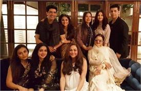 sridevi birthday party manish malhotra jahanvi kapoor bold fashion tmov