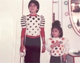 करीना के बर्थडे पर बहन करिश्मा ने शेयर की है ये क्यूट तस्वीर